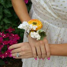 how to make wrist corsages how to make a wrist corsage afloral