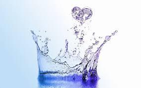 due litri di acqua quanti bicchieri sono quanta acqua bere al giorno tabelle e indicazioni idee green