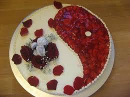 hochzeitstorte erdbeeren bäckerei konditorei reinhold
