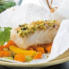 cuisine en papillote papillote de cabillaud aux légumes magazine avantages
