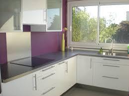 cuisine parme cuisine blanc sur mur gris cuisine mur violet recherche
