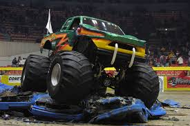 videos of monster trucks crushing cars the korean foreigner may 2014