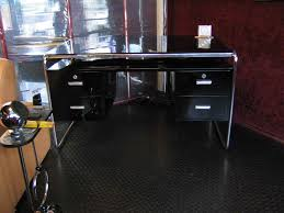 Schreibtisch Glasplatte Seselbeschreibung