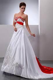 robe de mariã e en couleur robe de mariée en couleur broderies de perels traîne satin