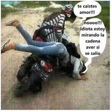 Moto Memes - memes graciosos de cuando alguien se cae de una moto memes