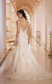 Ivory Wedding Dresses Can I Wear An Ivory Wedding Dress U0026 Have White Flowers