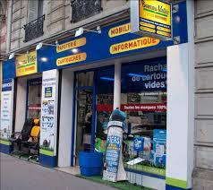 magasins fournitures de bureau l enseigne ouvre premier magasin au centre de