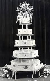 wedding cake history kate middleton and prince william royal wedding cake slice set to