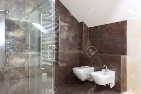 braune badezimmer fliesen uncategorized ehrfürchtiges badezimmer fliesen ideen braun und