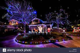 pictures of homes decorated for christmas beautiful houses