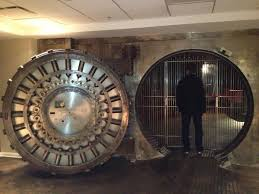 Moms Basement So There U0027s A Bank Vault In The Basement Of My Mom U0027s New Apartment