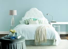 adding colour to your bedroom hipvan