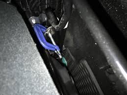 2010 mazda mazda3 seat bracket broke 15 complaints