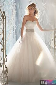 christmas wedding dresses 132 best christmas wedding gowns images on wedding