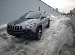 glitter jeep 2014 jeep cherokee trailhawk edition no obstacle is too much
