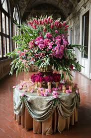 Wholesale Floral Centerpieces by Wedding Wednesday Big Urns U003d Big Arrangements Flirty Fleurs