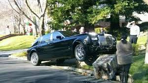 roll roll royce latest car accident of rolls royce phantom road crash