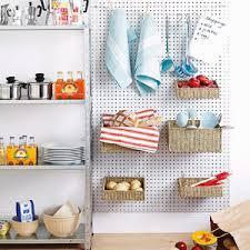 küche aufbewahrung küchenaufbewahrung mit diy hakenleiste ideen 116 bilder auf der