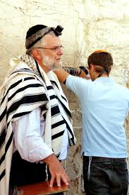 talit katan did yeshua jesus wear tzitzit the traditional fringes