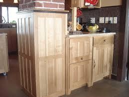 white oak cabinets kitchen quarter sawn white oak quarter sawn white oak kitchen cabinets yellow kitchen walls with