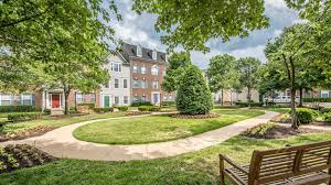 House Plans With Pool In Center Courtyard Town Square At Mark Center Apartments In Alexandria 1459 N