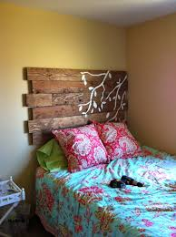 Headboards Made With Pallets Pallet Headboard Little Bits Of