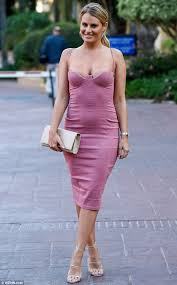 Towie U0027s Danielle Armstrong Wows In Very Tight Pencil Dress In