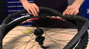 réparer une chambre à air de vélo michelin montage pneu vtt avec chambre à air