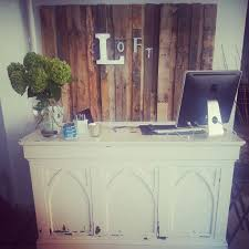 Spa Reception Desk Best 25 Salon Reception Desk Ideas On Pinterest Beauty Salon