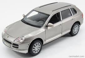 2008 Porsche Cayenne - maisto 31675g scale 1 18 porsche cayenne 2008 gold met