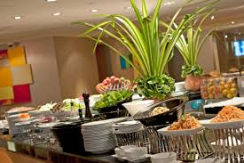Home Run Inn Buffet by Café G At Holiday Inn Bangkok Amazing Value Lunch And Dinner