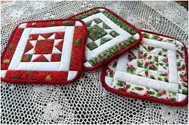 free patterns quilted potholders pin by rhonda stout on christmas quilts pinterest potholders