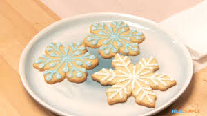 how to decorate snowflake cookies video and step by step instructions