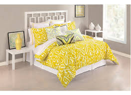 Yellow Bedroom Walls Bedding Set Valuable Yellow Walls With Black And White Bedding