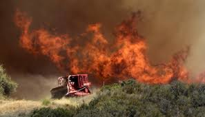 Canadian Wildland Fire Training by Hundreds Evacuated From Los Angeles Area As Wildfire Burns