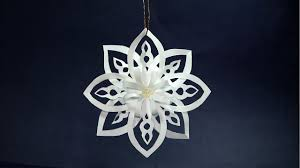 how to make paper snowflakes easy diy christmas decoration ideas