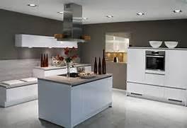 wei e k che graue arbeitsplatte weiße küche welche wandfarbe wei e k che welche wandfarbe