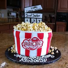 Movie Themed Cake Decorations 142 Best Food Cakes Movie Night Images On Pinterest Outdoor