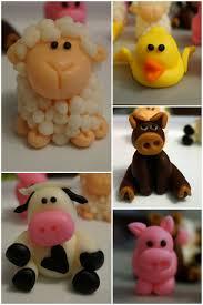 Toy Barn With Farm Animals Barn Farm Animals Fondant Toppers My Creations Pinterest