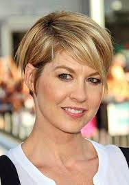 short haircuts behind the ears short hairstyles with hair tucked behind ears hairstyles