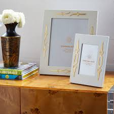 100 frameless picture frames changeable art display