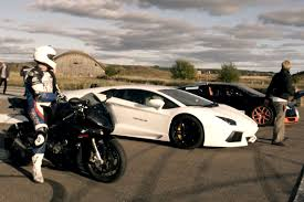 bugatti veyron vs lamborghini veneno drag race bugatti veyron vitesse vs lamborghini aventador vs bmw