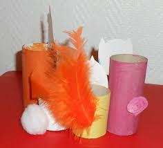 bricolage noel avec rouleau papier toilette cadeau pour la fête des pères porte crayons animaux avec rouleaux