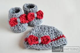 so fluffy crochet baby booties and beanie free croby patterns