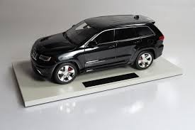 jeep grand cherokee blackout top marques collectibles jeep grand cherokee srt8 1 18 black top16c