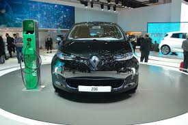renault geneva renault zoe electric car debuts at geneva live photos
