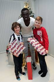newcastle united star papiss cisse opens up his doors to thank