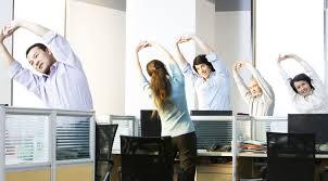 se muscler au bureau 5 exercices pour se muscler au bureau le offiscénie