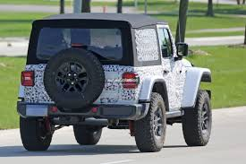 jeep lights on top spyshots 2018 jeep wrangler jl reveals grille and headlights