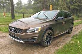 2017 volvo xc60 reviews and rating motor trend 2018 volvo xc60 or 2017 volvo v60 cross country motor trend